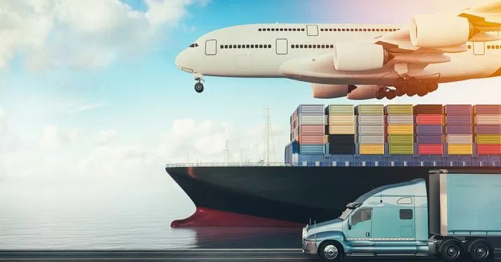 How to establish a good relationship with shipping services?